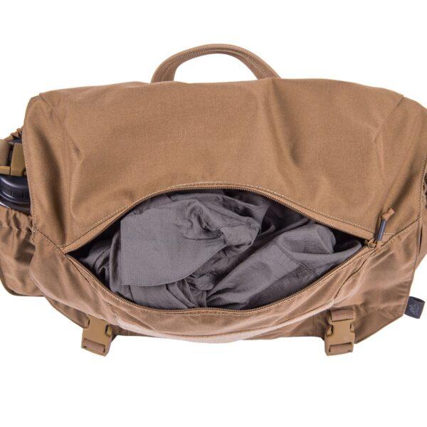 tasca interna molto spaziosa per indumenti